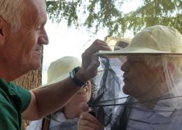 apicultura a Can Parcala amb l' Once